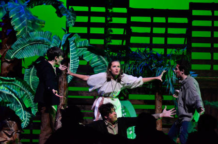 "Improvisational Performance of ""Peter and the Starcatcher"" Brings Cast Together"