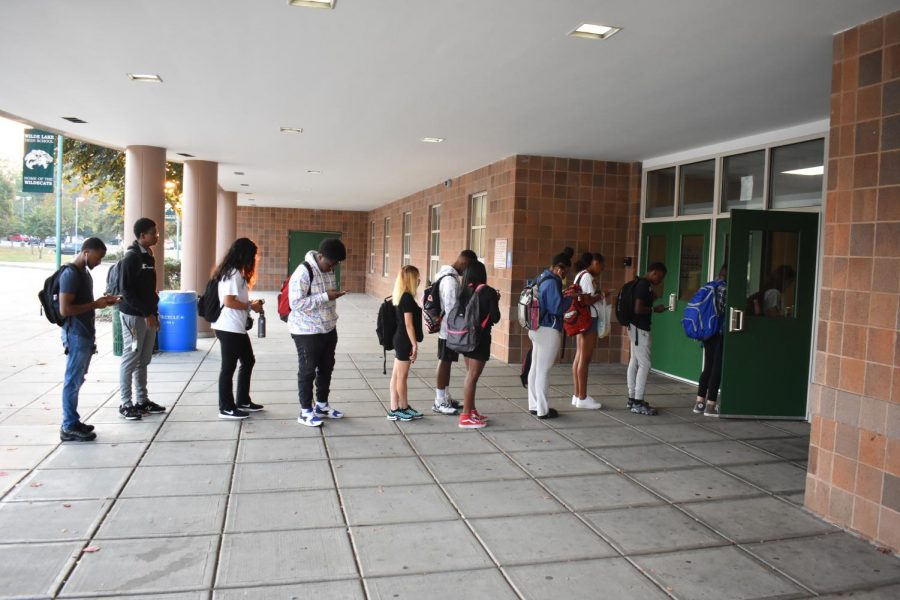 Lateness Policy Creates Long Lines and Delays Instruction For Late Students