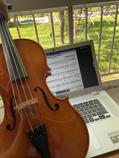 How the everyday music student practice during virtual learning (Photo courtesy of Emerson Alberti Ramirez)